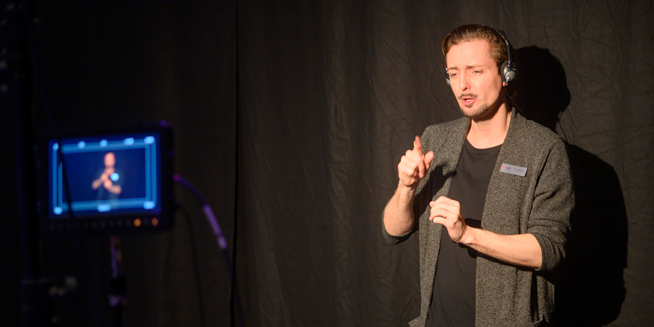 Sign language at Funka Accessibility Days. Photo