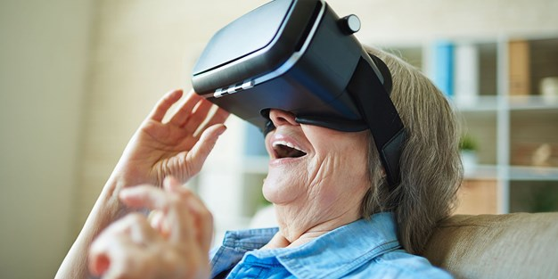 An older person with virtual glasses. Photo